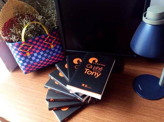 sách của Tony buổi sáng